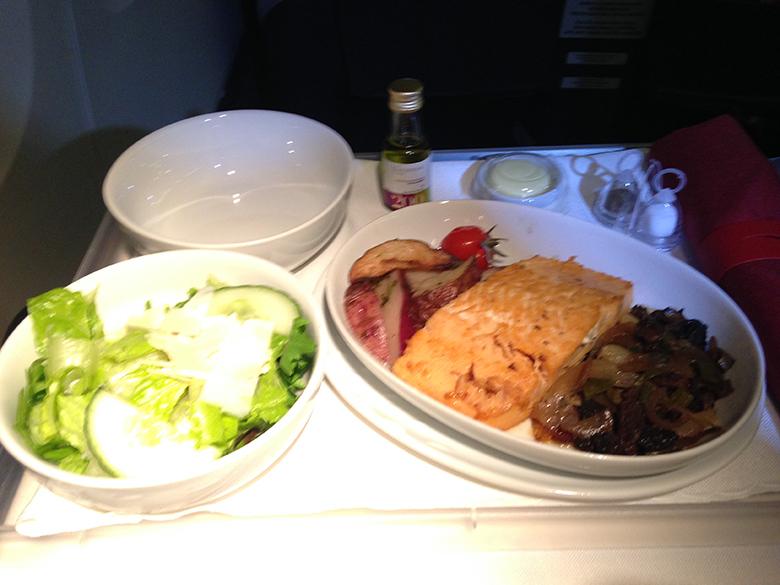 Serviço de jantar na Premium Business TAM