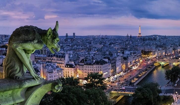 Paris, na França, está entre as dez cidades mais visitadas do mundo
