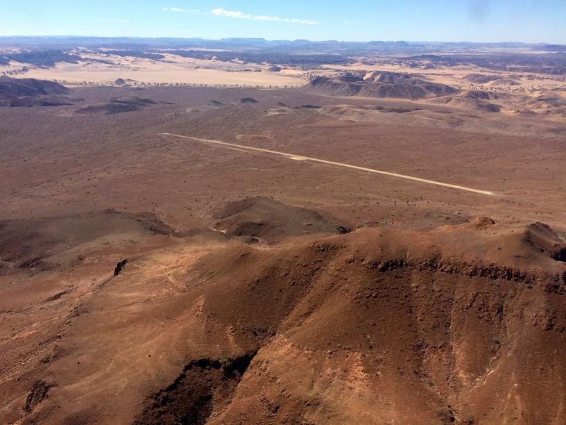Sobrevoando o Aeroporto de Damaraland (Viagem fotográfica pela Namíbia por Carioca NoMundo)