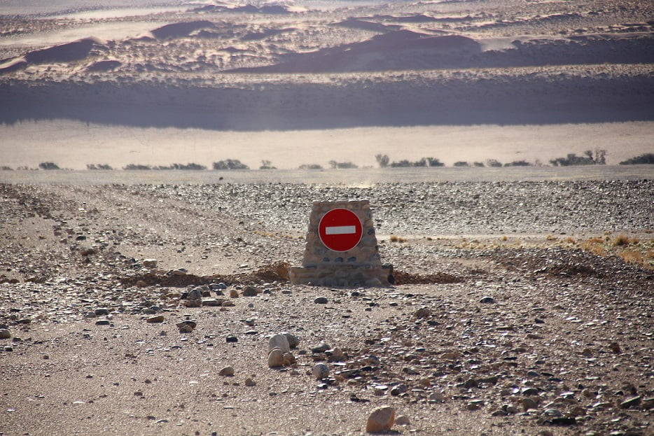 E, no meio do nada, em Sossusvlei, o fim do caminho (Viagem fotográfica pela Namíbia por Carioca NoMundo)