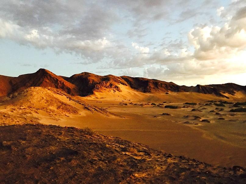 Montanhas próximas ao Hoanib Skeleton Coast Camp (Viagem fotográfica pela Namíbia por Carioca NoMundo)