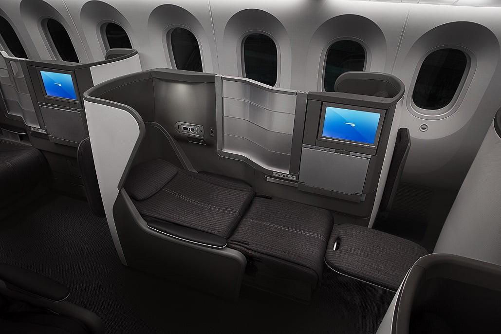 A poltrona que vira cama na classe executiva do 787-8 da British Airways