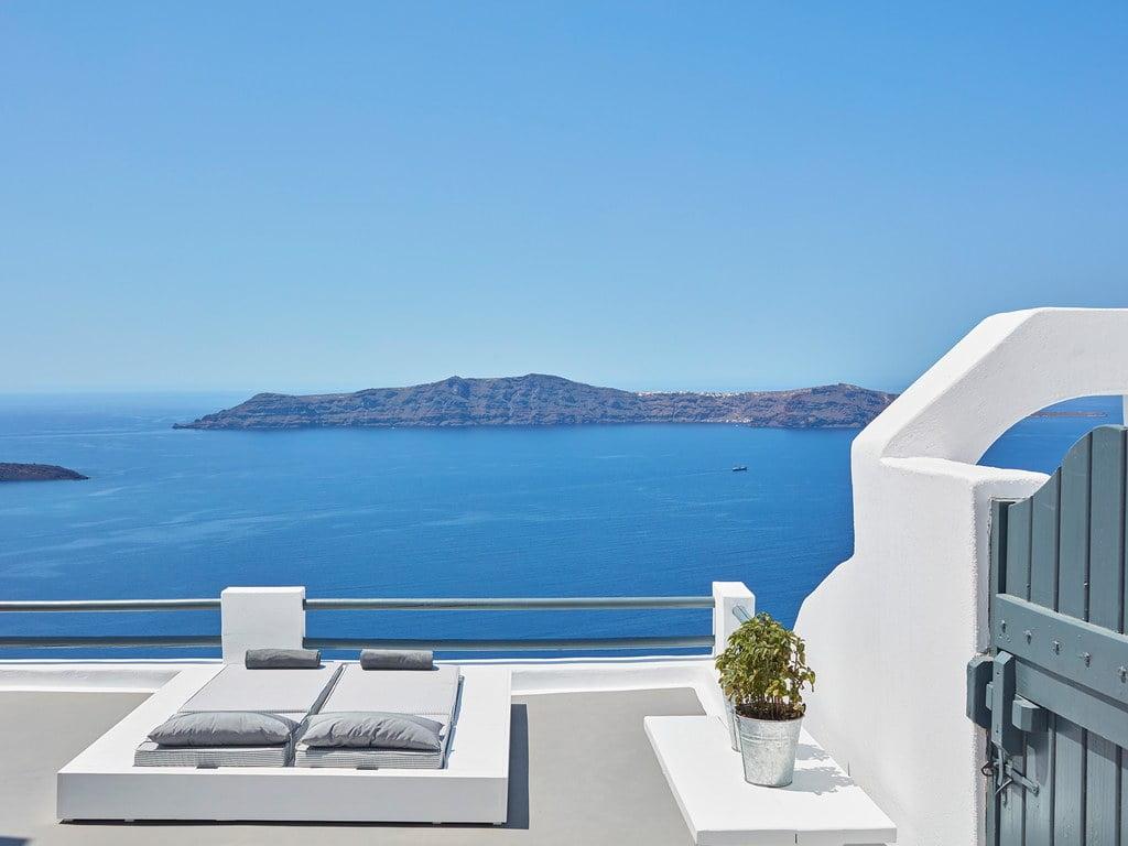 O Sun Rocks e o mar de Santorini: número 24 entre os 50 Melhores Hotéis do Mundo