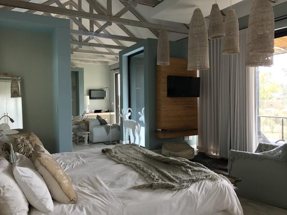 Quarto do hotel The Olive Exclusive, em Windhoek, na Namíbia (Turismo na Namíbia por Carioca NoMundo)