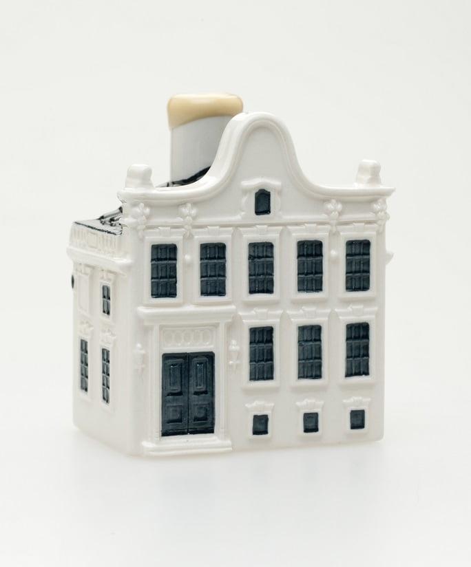 Casinha de porcelana Delft distribuída como brinde aos passageiros da classe executiva da KLM