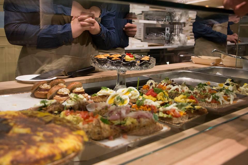 As delícias do Eataly World: são 45 restaurantes com especialidades que vão de trufas a embutidos, de pizzas a frutos do mar...