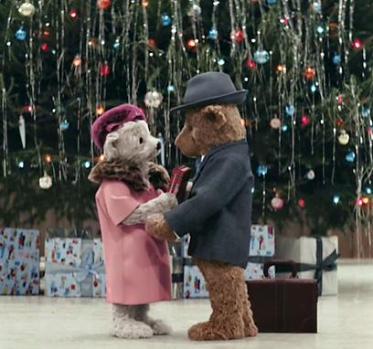 Os ursinhos da mensagem de fim de ano do aeroporto de Heathrow