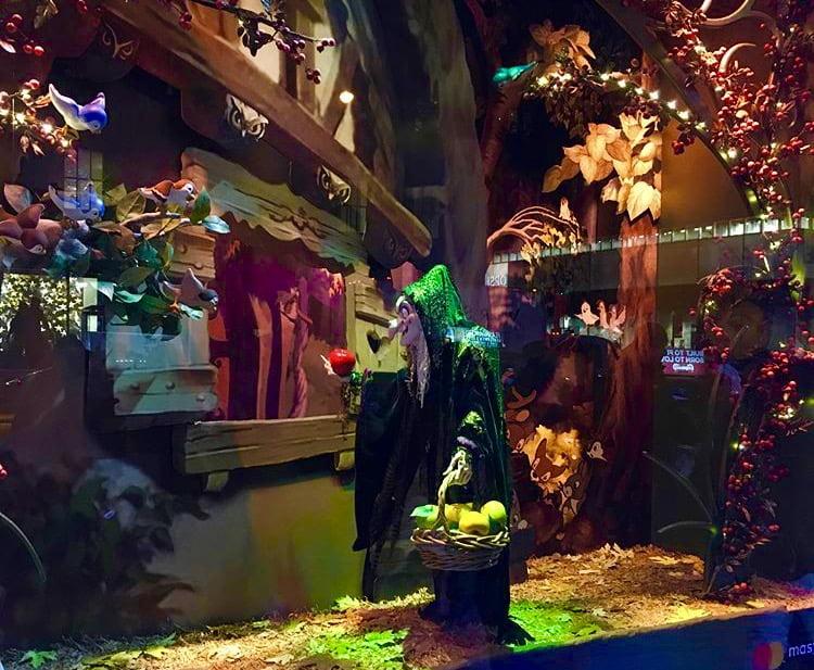 As vitrines de Natal de Nova York: Branca de Neve e os Sete Anões é o tema da Saks