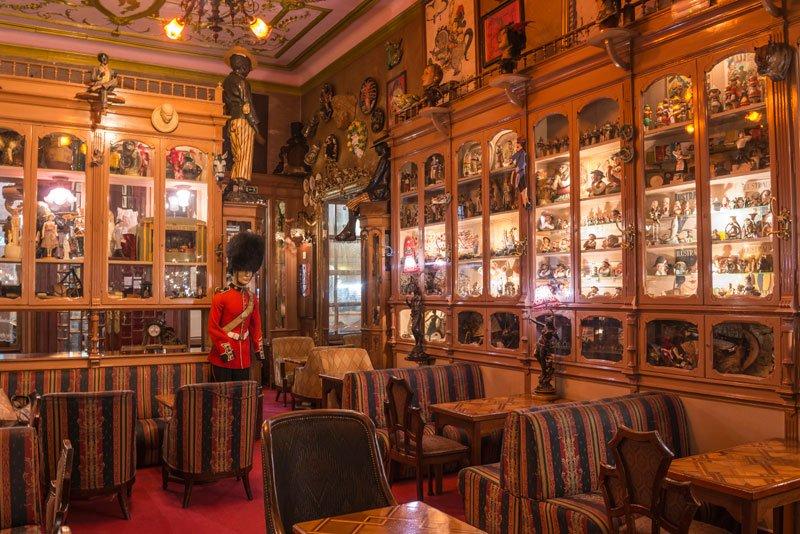 Pavilhão Chinês - os melhores lugares para comer e beber em Lisboa