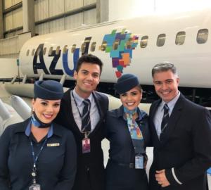 Curso de comissários de bordo da Azul por Carioca NoMundo
