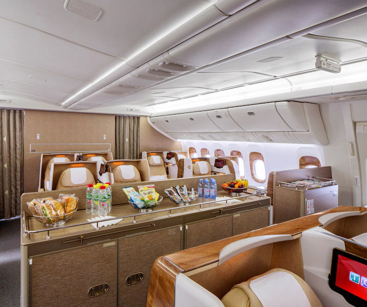 A nova classe executiva do B777-200LR da Emirates