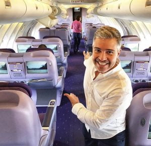 Como é voar na classe executiva da Thai Airways, no 747-400 por Carioca NoMundo
