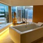 O banheiro do The Upper House, o melhor hotel de Hong Kong