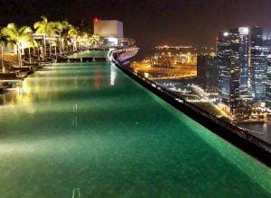 A piscina mais famosa do mundo no hotel Marina Bay Sands, em Cingapura