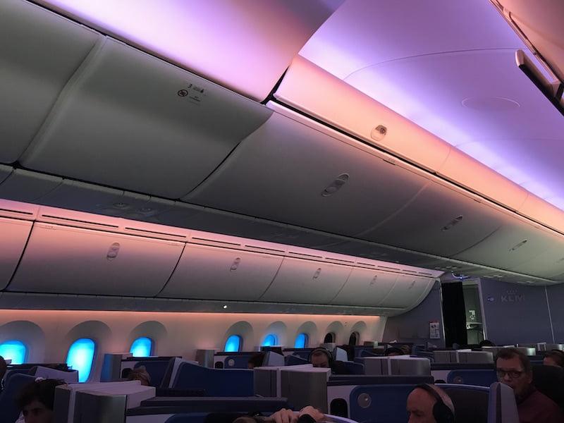 A classe executiva do B787-9 Dreamliner da KLM, por Carioca NoMundo