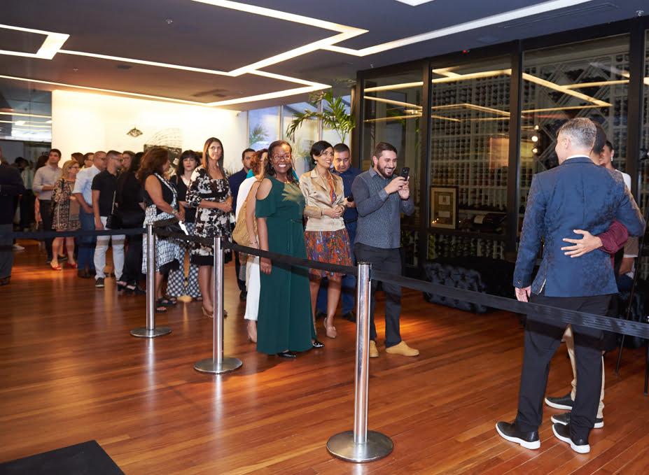 Jayme Drummond recebe fãs do Carioca NoMundo