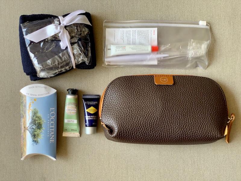 Coleção de nécessaires do Carioca NoMundo - Venda beneficente - Lufthansa classe executiva